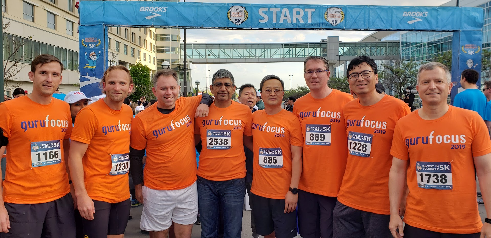Value Conference attendees participate in the Berkshire Hathaway Invest in Yourself 5K race.
